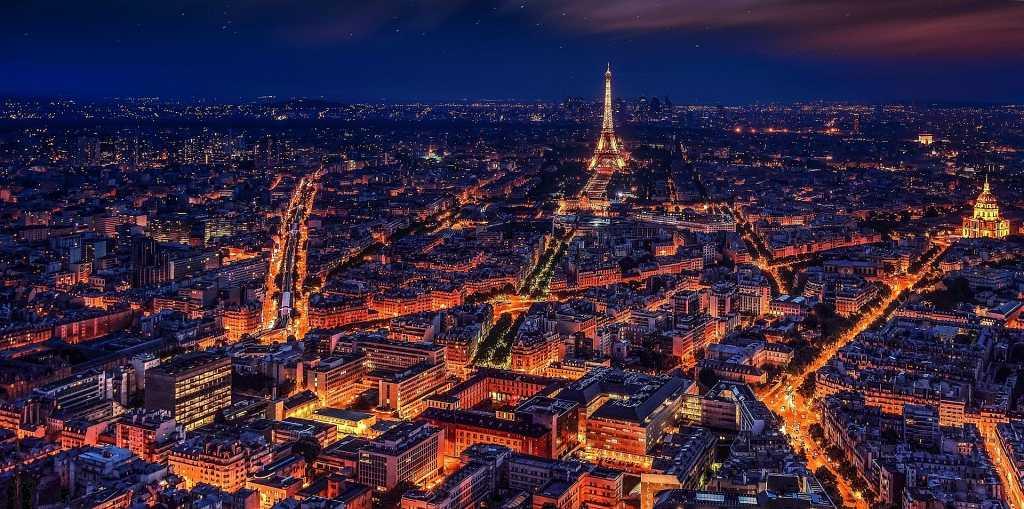 Night-Skyline-in-Paris