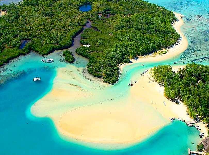 ILE AUX CERF ISLANDS, MAURITIUS